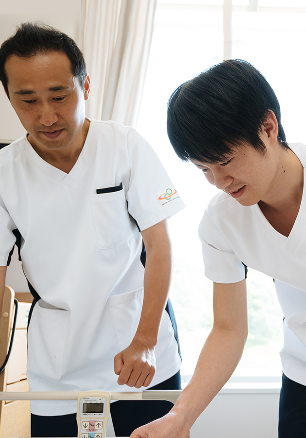 男性看護師も活躍しています